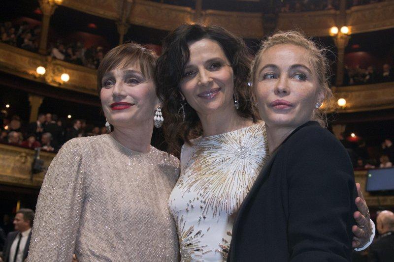 凱撒獎三姝,克莉斯汀史考特湯瑪士(Kristin Scott Thomas)、茱莉葉畢諾許(Juliette Binoche)、艾曼紐琵雅(Emmanuelle Béart)。(美聯社)