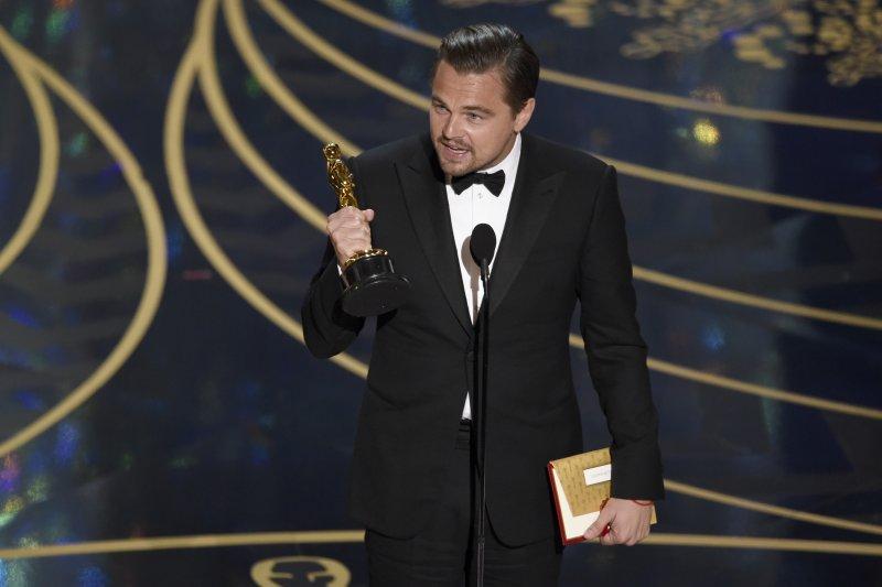 李奧納多迪卡皮歐(Leonardo DiCaprio)終於拿下小金人!(美聯社)