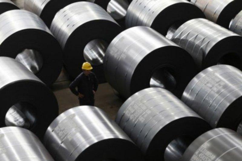 鋼鐵業被列為中國製造業「去產能」的重要行業。圖為中國浙江嘉興的一家鋼鐵廠。(BBC中文網)