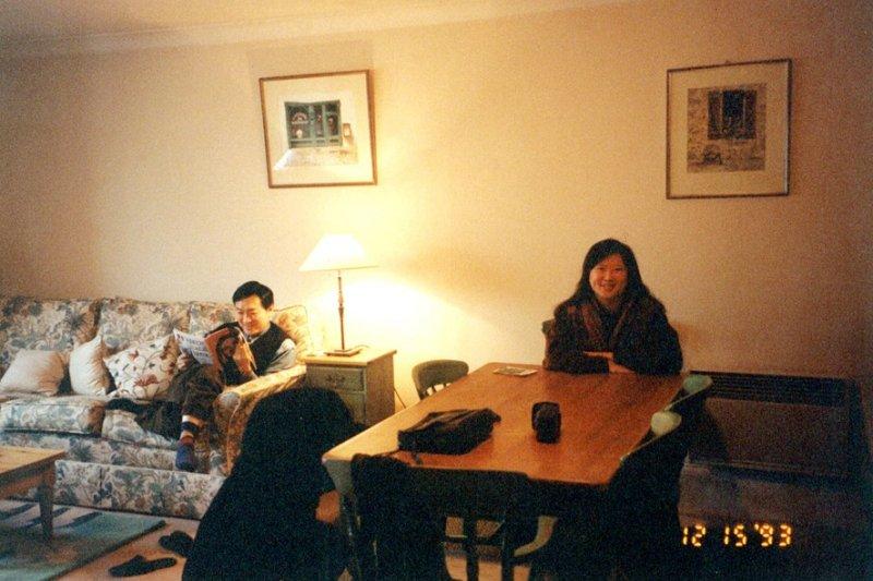 韓良露與朱全斌珍貴的倫敦家居生活照。倫敦,是讓韓良露洗滌靈魂的地方,也是她與夫婿全心全意體會樂活之所在。(取自韓良露.南村落臉書)