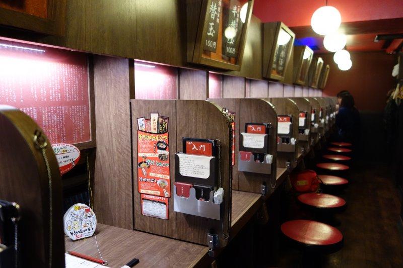 一蘭拉麵在日本境內已經超過五十家分店,主要分布在九州、關東、近畿一帶。(圖/Richard, enjoy my life!@flickr)