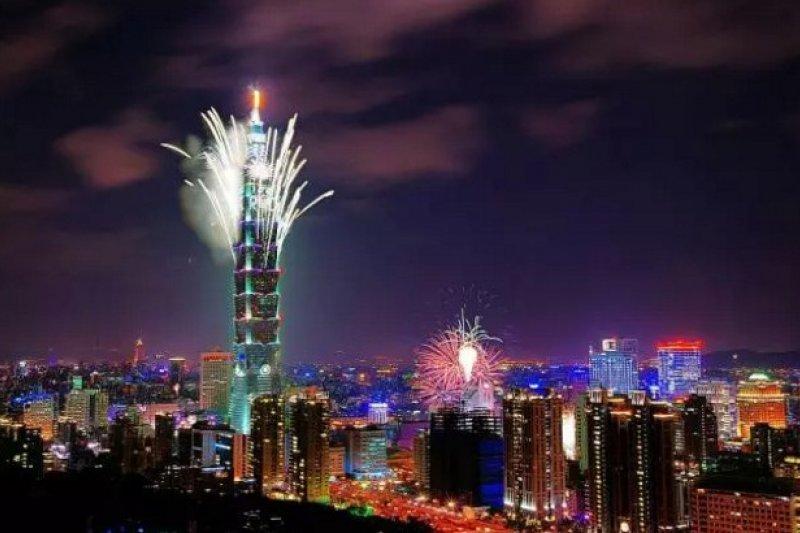 台灣衰弱的除了經濟外,還有公民意識形態。(取自微信號直通台灣)