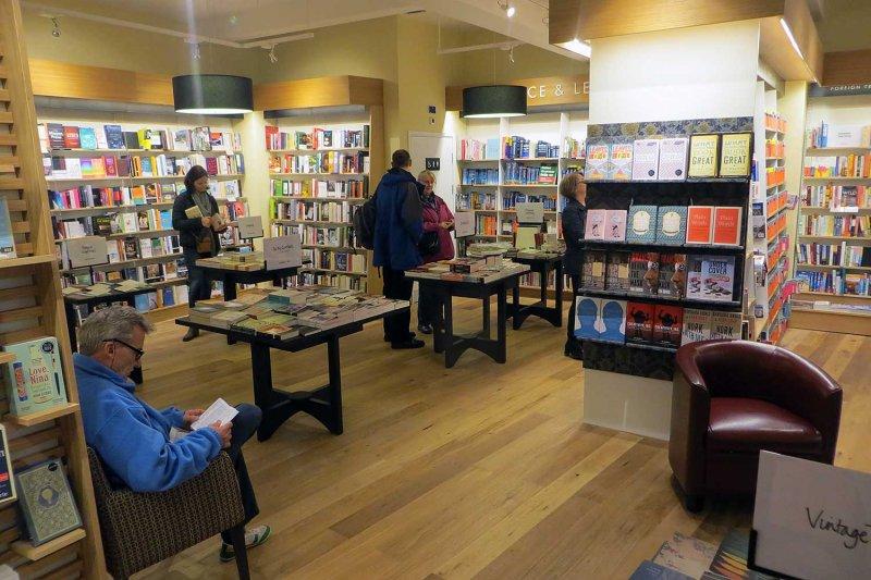 英國Waterstones書店(取自網路)