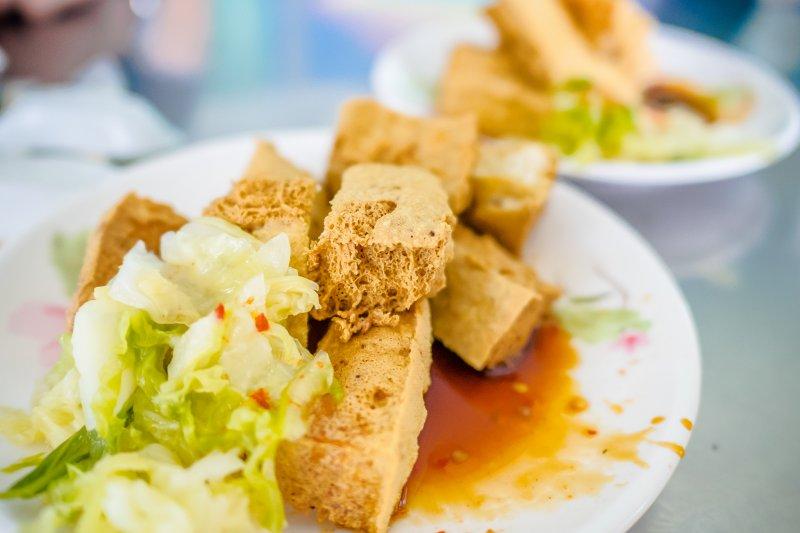 飲食中含有鈉的食物實在太多了,不是只有食鹽提供鈉而已(圖/中岑范姜@flickr)