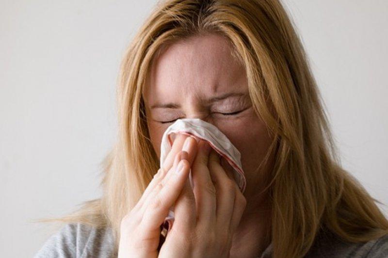 當濕氣囤積在腳踝或手腕上很容易誘發感冒!(圖/pixabay)