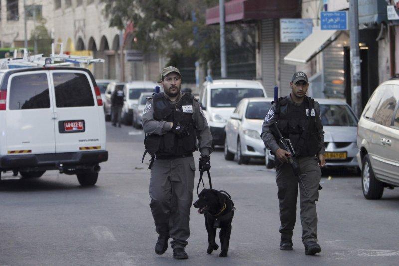 以色列8日連續發生多起攻擊事件,警方加強戒備(美聯社)