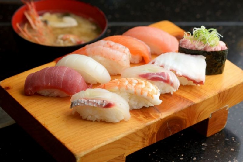 用正確的方式吃壽司、生魚片,可以提升口感與美味!
