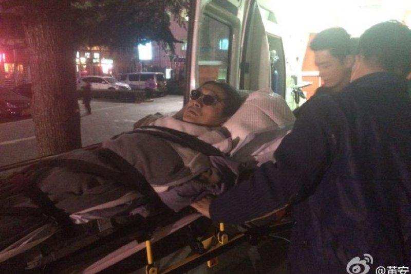 「反台獨」藝人黃安回台灣就醫享受健保,卻引發眾怒。(黃安微博)