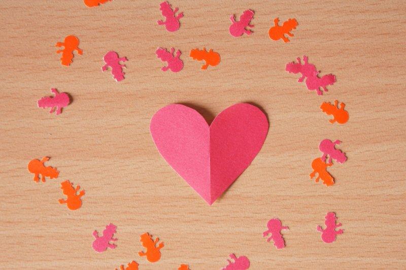 如何從「友達以上、戀人未滿」正式晉級到男女朋友的階段?你該先知道4W1H(圖/Victor U@flickr)