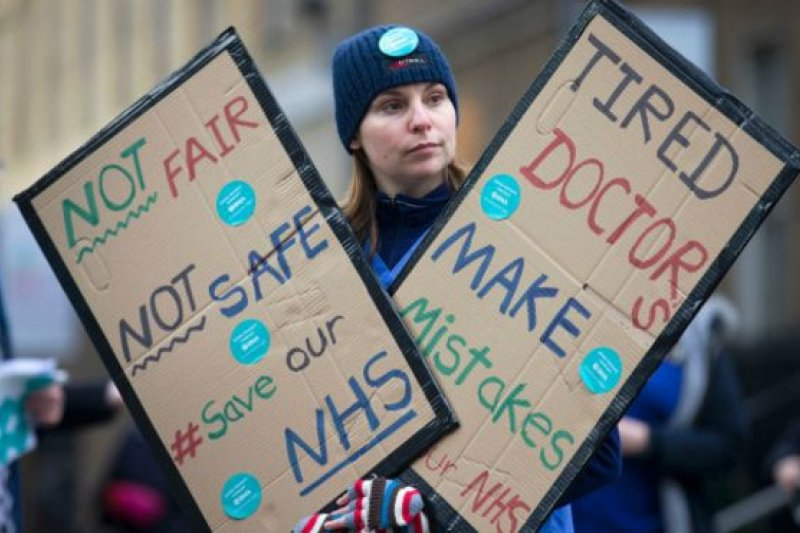 英國初級醫生再次舉行48小時的大罷工。(BBC中文網)