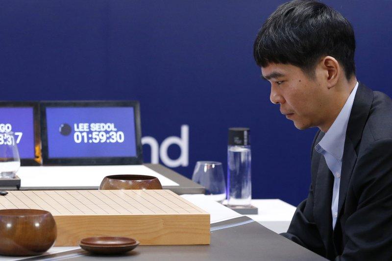 李世乭vs AlphaGo第三戰。(美聯社)
