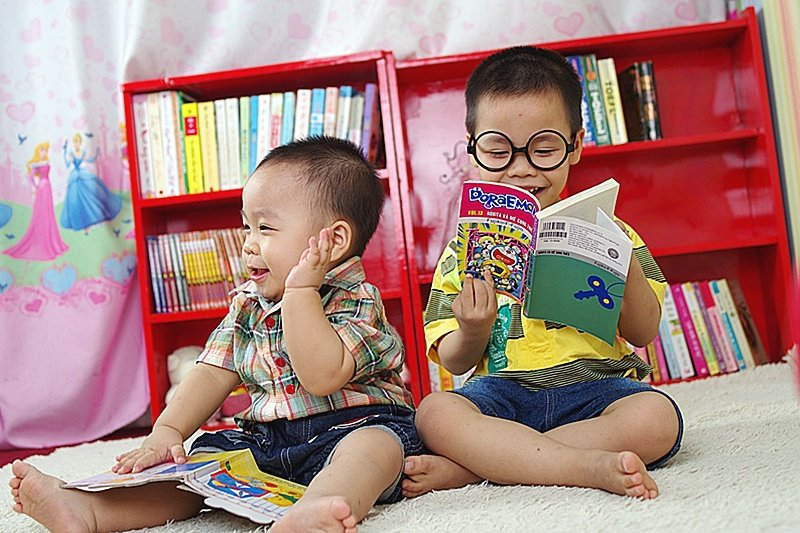 陪伴孩子,從閱讀做起!(圖/jutheanh@pixabay)