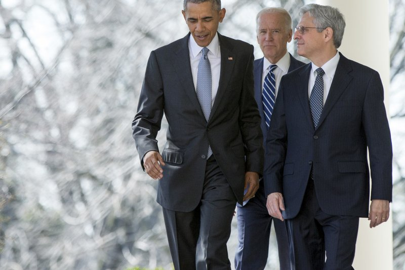 美國總統歐巴馬(左)與大法官被提名人嘉蘭德(Merrick Garland)(美聯社)