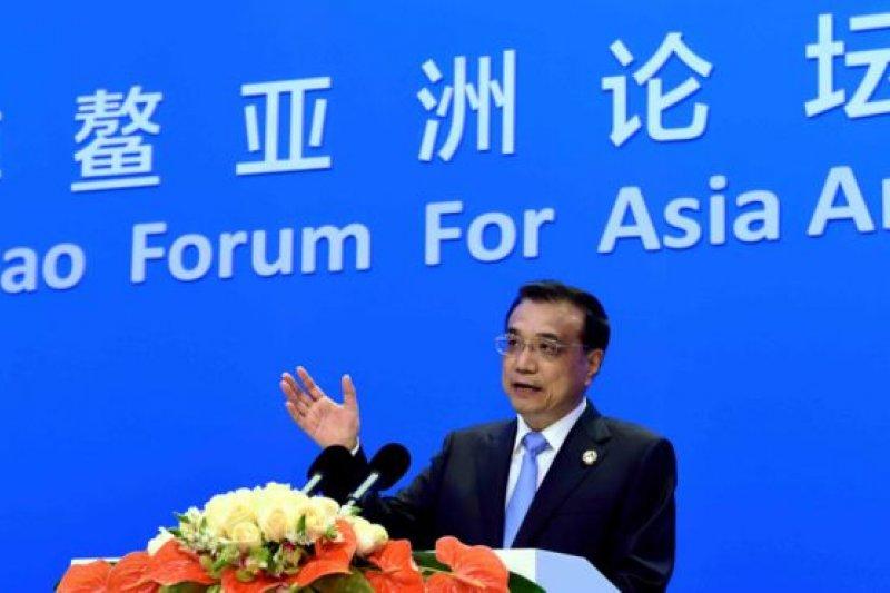 李克強在博鰲論壇上再次闡釋中國的宏觀經濟政策。(BBC中文網)
