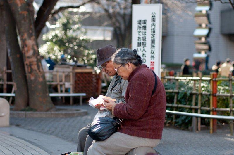 退休銀髮族重返企業,在台灣的可能性呢?(圖/Hajime Nagahata@flickr)