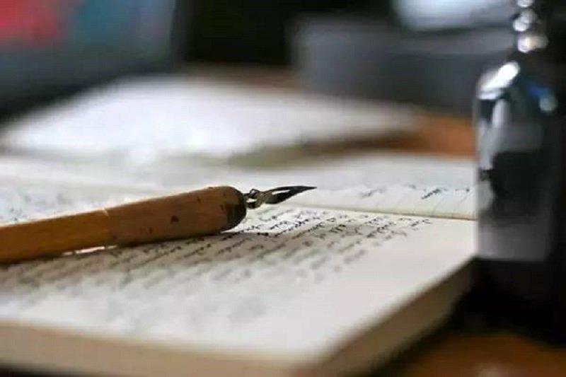 為什麼張大春的國文老師會說:「寫什麼都可以,就是不要寫作文」?(網路圖片)