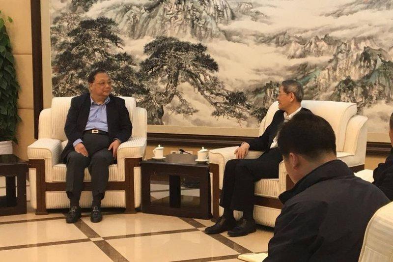 中共中央台灣事務辦公室主任張志軍今天在北京接見兩岸産業智庫代表團。(杜紫宸提供)
