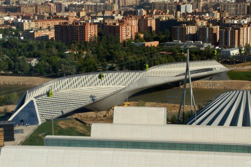 西班牙沙拉哥薩(Zaragoza)的橋亭(Pabellón Puente)(維基百科)