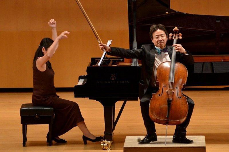 大提琴家張正傑和部份藝術專體最近槓上兩廳院。(取自張正傑臉書)
