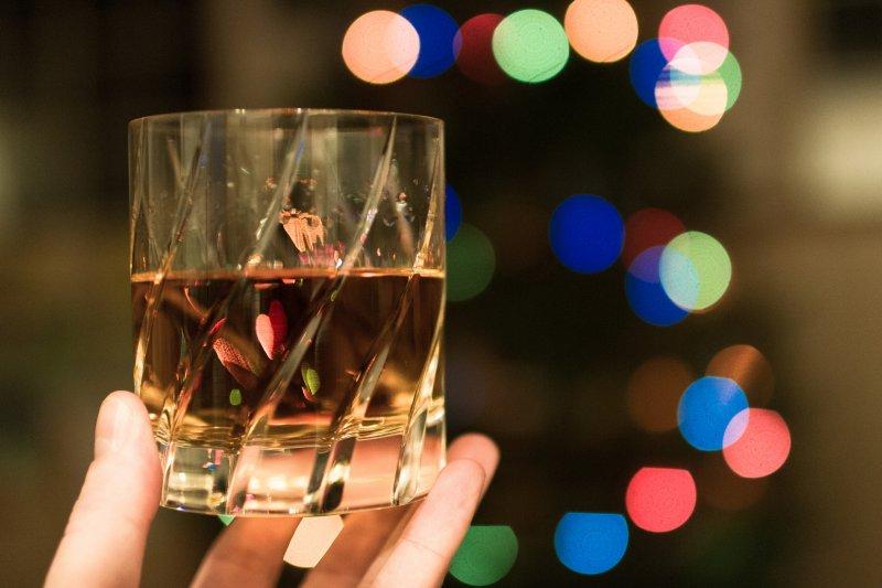 人體在分解酒精時,也同時消耗糖分!(圖/Michael Bentley@flickr)