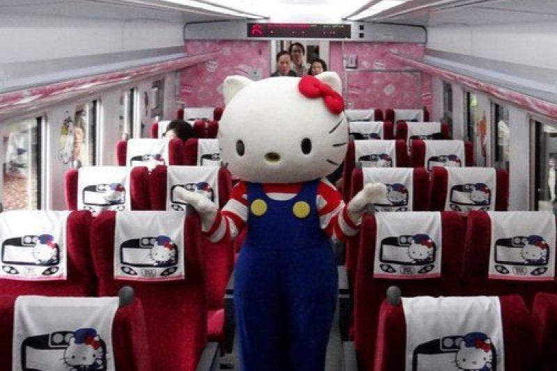 台鐵太魯閣Hello Kitty彩繪列車。(取自台灣商會聯合資訊網)
