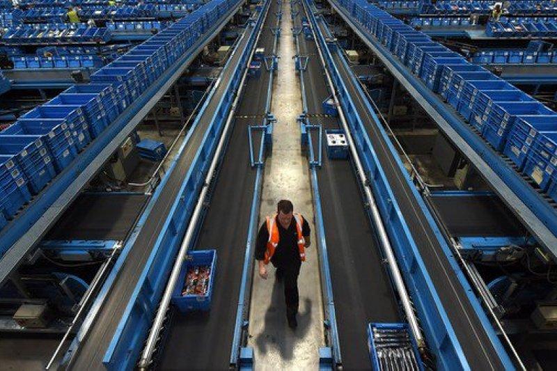 WEF創辦人預測,未來的第四次工業革命將是機器人時代。(取自推特)