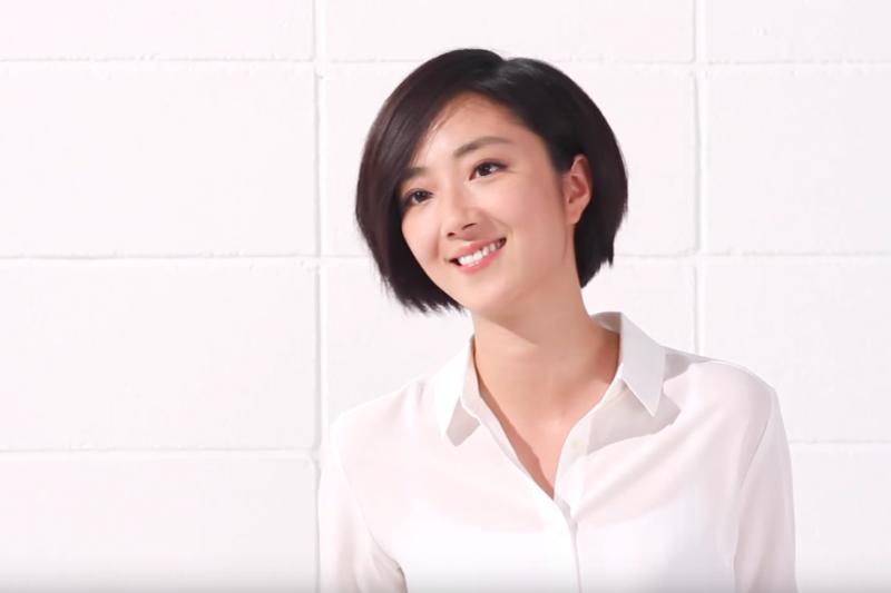 日系服飾品牌UNIQLO靠在地名人為形象加分,圖為代言人桂綸鎂。(圖/截自UNIQLO官方Youtube頻道)