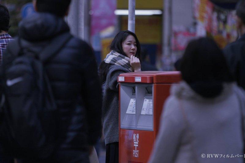 現代人,好孤獨(圖/リップヴァンウィンクルの花嫁@facebook)