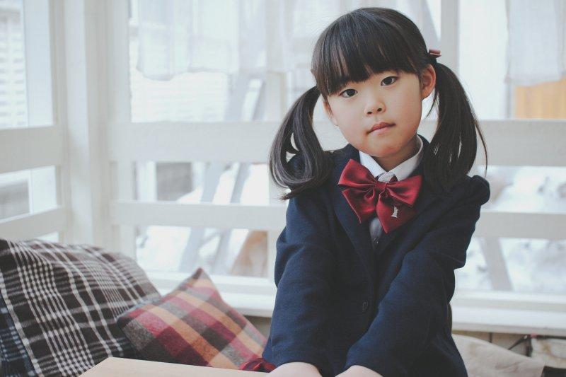 孩子需要同學、需要朋友,尤其最重要的,需要不是家長幫他挑選的朋友(圖/MIKIYoshihito@flickr)