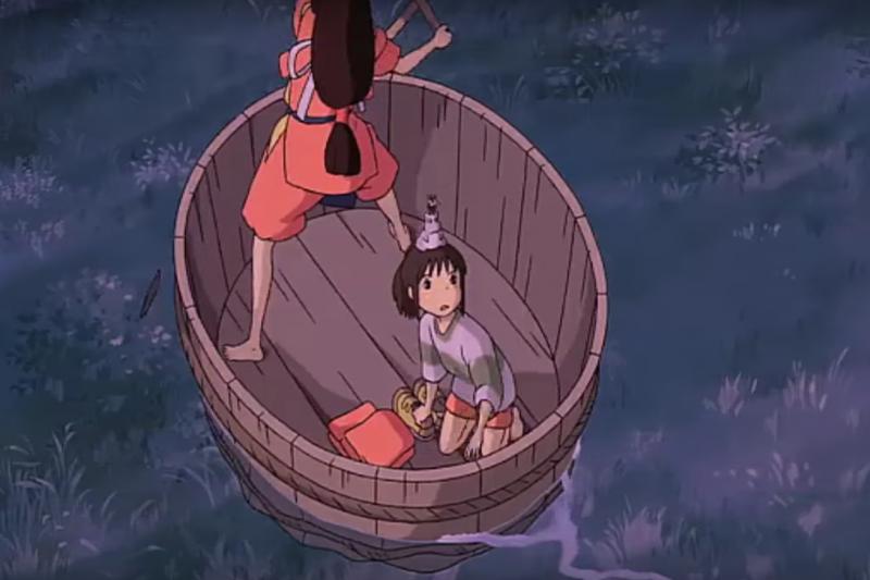 記得動畫《神隱少女》裡面的盆舟嗎?到佐渡島就可以體驗!(圖/Ashley C7. Mosley@youtube)