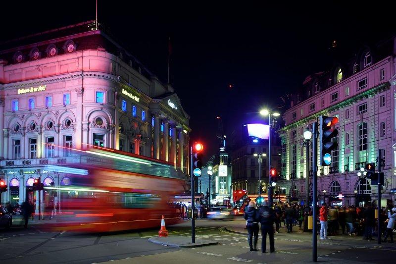攀升的失業率及房價,讓許多人不再有能力負擔倫敦的生活。(圖/PedroSzekely@flickr)