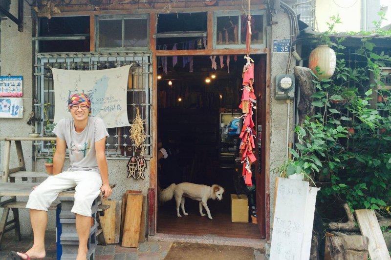 唐大可在6年前放棄高薪工作,開始賣紅豆湯,享受最單純的幸福(圖/慕ㄇㄨˋ紅豆@facebook)