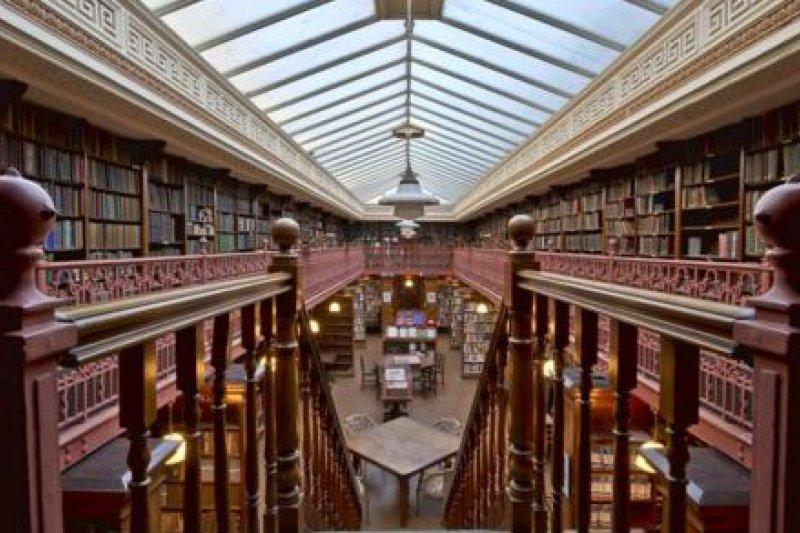 英國的私人圖書館再度逆勢興起。(取自推特)