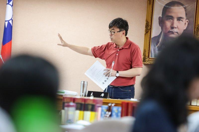 民進黨立委段宜康20日於司法法制委員會上發言,法務部長欲發言解釋遭主席制止。(顏麟宇攝)
