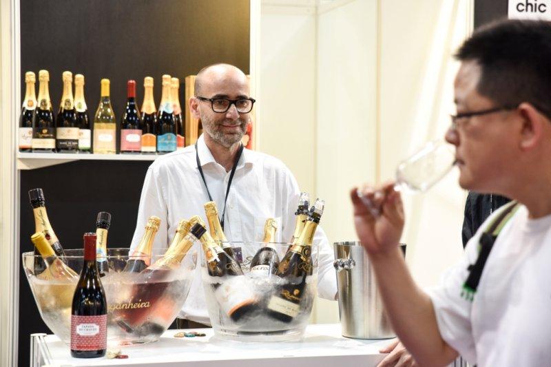 參加專業品飲課程,剖析酒款的不同層次,享受味蕾的極致體驗。(圖/2016台北葡萄酒展提供)