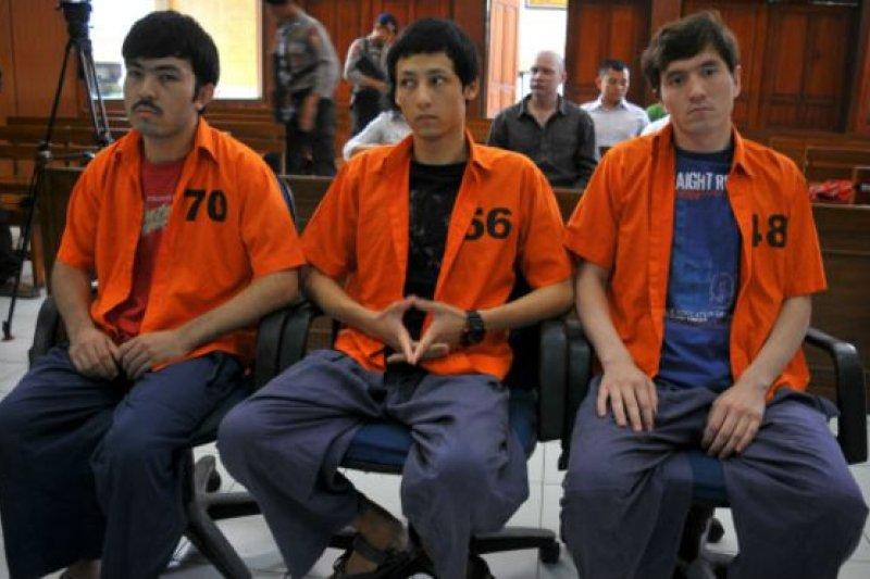 這些維吾爾人2015年在印尼被判刑入獄。(BBC中文網)