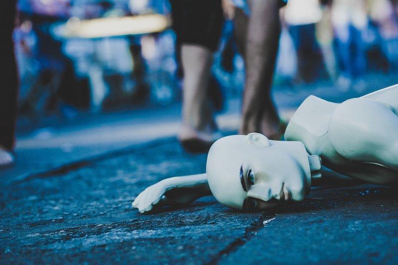 屋主為擒抓小偷,導致防衛過當過失致死罪判刑3個月,得易科罰金9萬元,緩刑2年,卻引發不少網友認為判決不合理。(Pixabay)