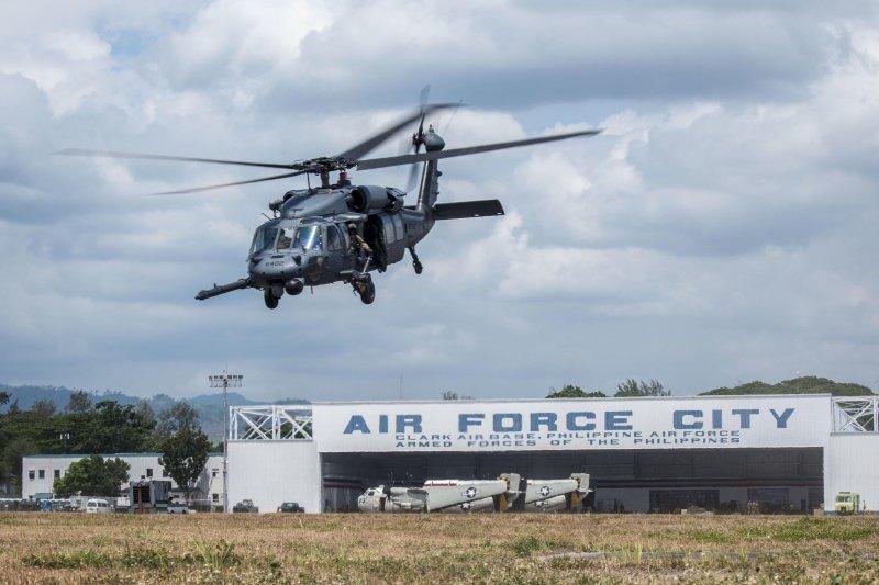 美軍HH-60G「鋪路鷹」直昇機(HH-60G Pave Hawk)(美國空軍)
