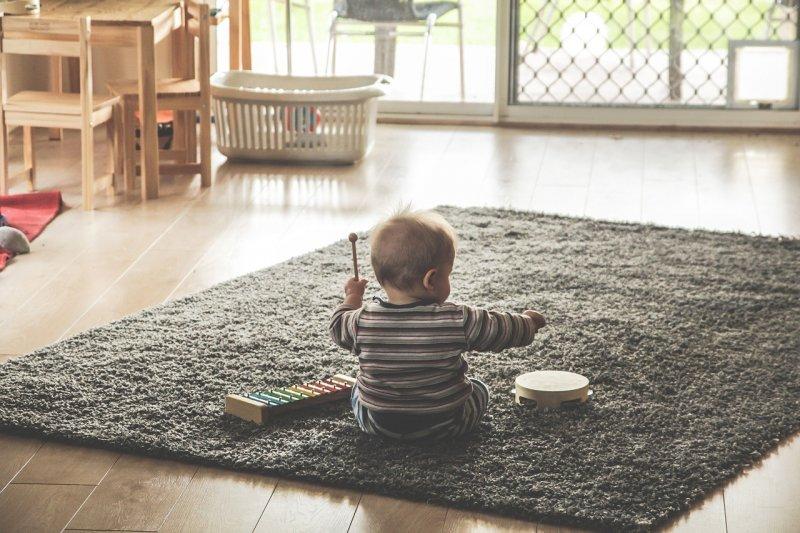 寶寶接觸音樂有助大腦發展(圖/thedanw@pixabay)