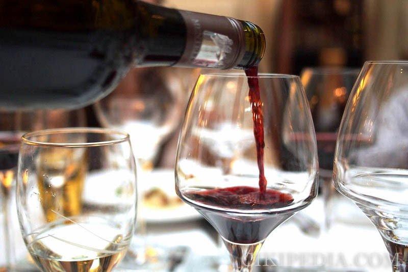 研究顯示紅酒可有效降低動脈硬化及腦中風的機率!(圖/@ccfoodtravel@flickr)