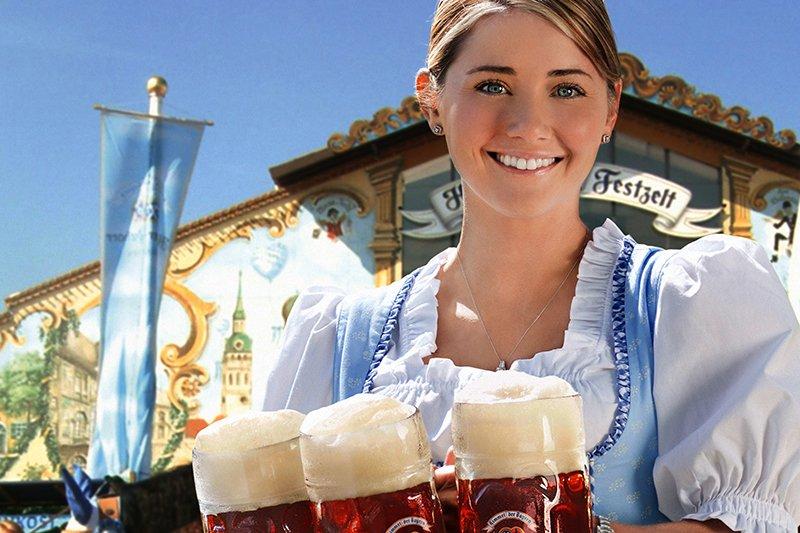 慕尼黑啤酒節每年都吸引眾多饕客從世界各地前來大快朵頤。(圖/wikimedia)