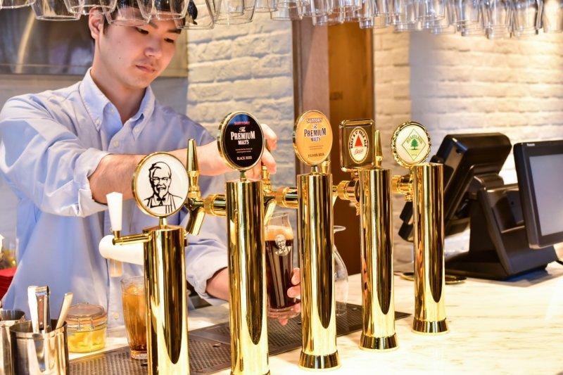 肯德基酒吧供應5種現做啤酒!(圖/MATCHA)