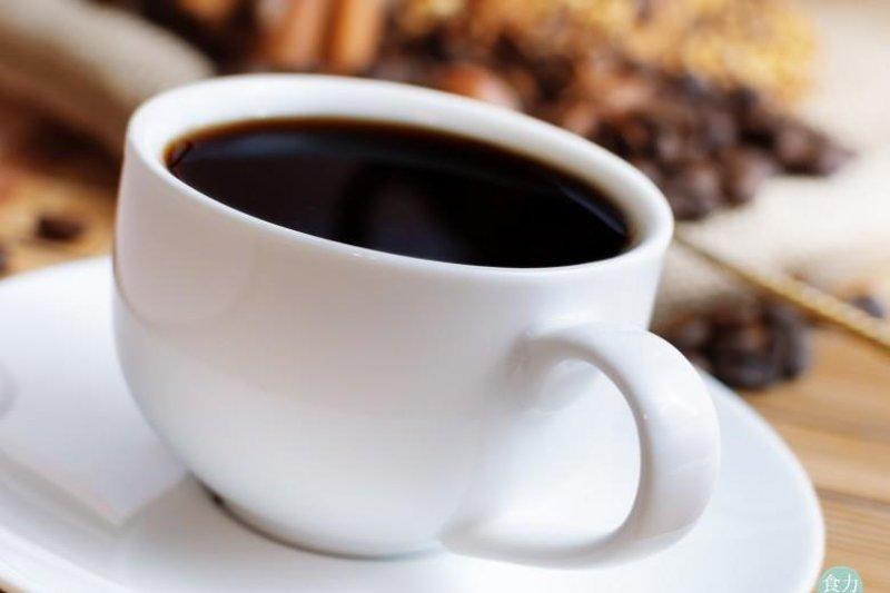 咖啡的每日適當飲用量眾說紛紜,到底哪個比較正確呢?(圖/食力提供)