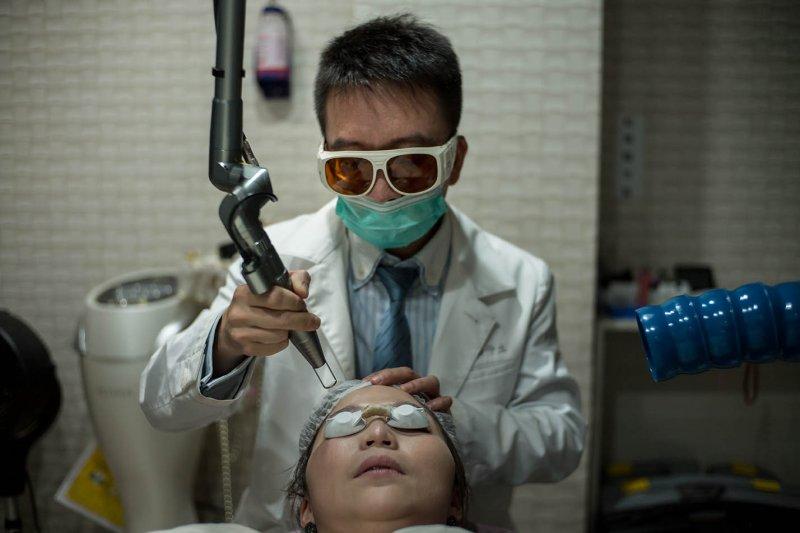 青少年 腎虛 怎麼辦 , 台灣醫師出逃中國心聲:一天打200支玻尿酸,比在台灣待在醫院診所有趣多了!