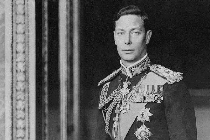喬治六世正式肖像(約於1940-1946)(圖取自:維基百科)