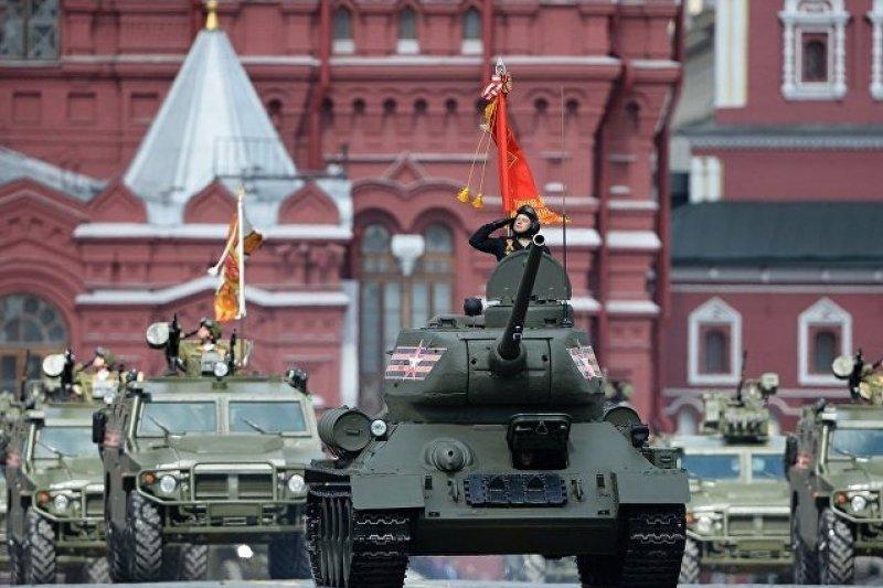 俄軍揚名二戰的T-34戰車。