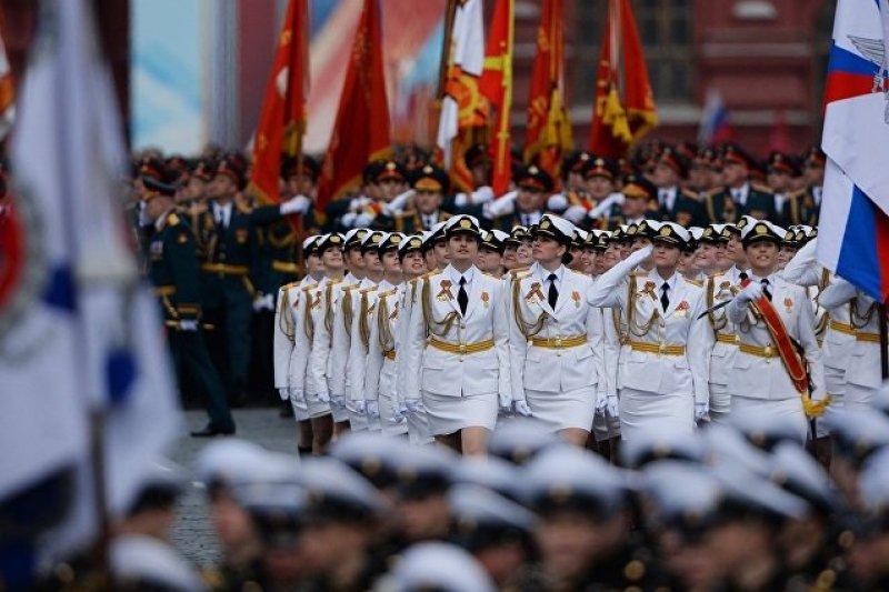 俄羅斯國防部軍事大學和赫魯廖夫物資保障軍事大學沃利斯克學院的女學員閱兵隊。