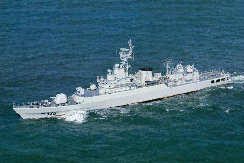 綿陽號(舷號528)護衛艦。