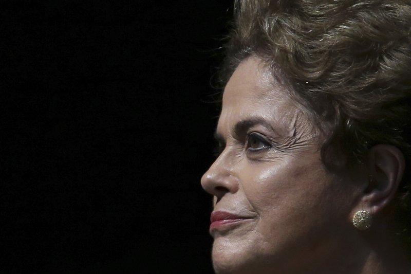巴西女總統羅賽芙彈劾案展開審判,停職最長180天(美聯社)