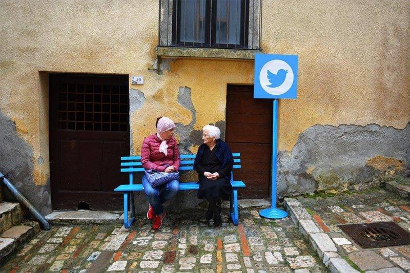 Twitter就在街角一處,快邀你想tag的朋友去坐坐聊天!(圖/Biancoshock@facebook)
